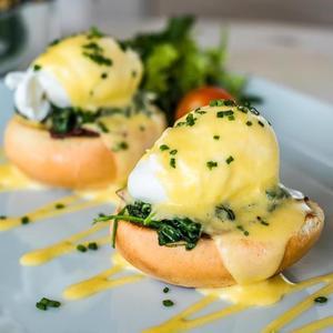 Drivu Egg Benedict Muffin