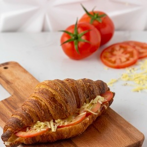 Drivu Cheese with Tomato Croissant