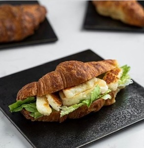 Drivu Halloumi Cheese With Mint Croissant