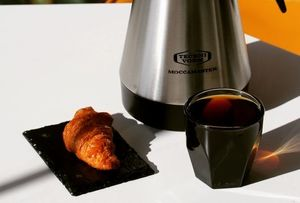 Drivu American Breakfast (black coffee + plain croissant)