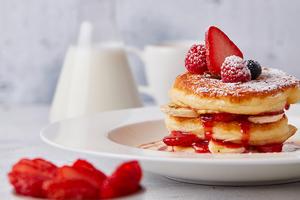 Drivu Strawberry and Banana Pancakes
