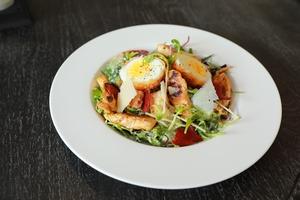 Drivu Chicken & Kale Caesar Salad