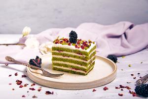 Drivu Pistachio and Raspberry Cake