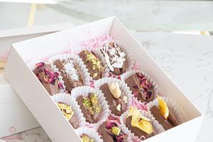 Drivu Chocolate Dates (12 pieces)