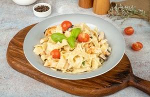 Drivu Fettuccine pasta with chicken