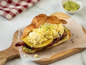 Drivu Avocado & Egg Croissant