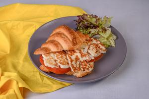 Drivu Grilled Halloumi Cheese Croissants Tomato