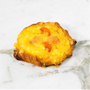 Drivu Egg & Tomato Croissant
