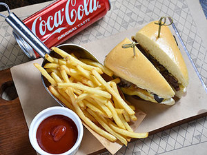 Drivu Triangle Special Burger Combo