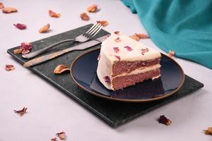 Drivu Rose Cake