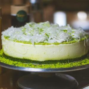 Drivu Whole Cake Pistachio Delight