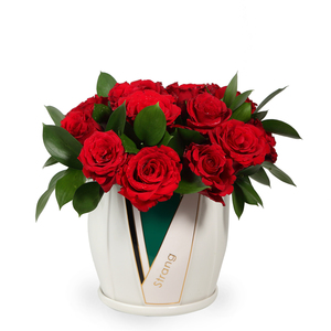 Drivu Red Roses in Luxury Ceramic Vase (V12)