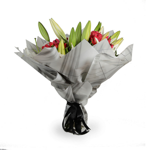 Drivu Luxury Red Roses Lily & Hypericom - White & Black Bouquet (HB9)