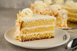 Drivu Coconut Cake