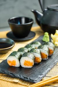 Drivu Salmon Maki