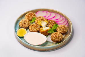 Drivu Stuffed Falafel with Cheese (8 pieces)