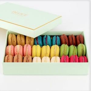 Drivu Macaron Box (27 pieces)