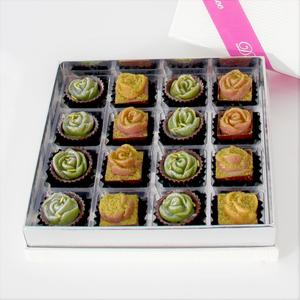 Drivu Hermes White Flower Chocolates (16 pieces)