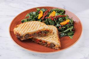 Drivu Steak Sandwich