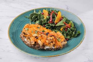 Drivu Mushroom and chicken sandwich