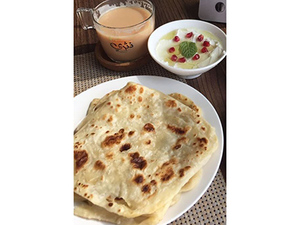 Drivu Japatti Plus (2 Breads With Cheese And Honey)