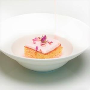 Drivu La Grove Rose Milk Cake