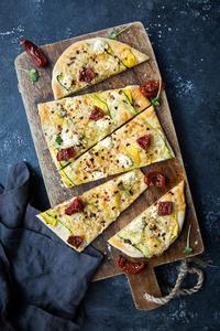 Drivu Provolone & Courgette Pizzetta