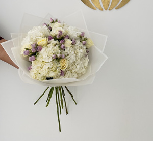 Drivu White Bouquet with Purple Baby Roses