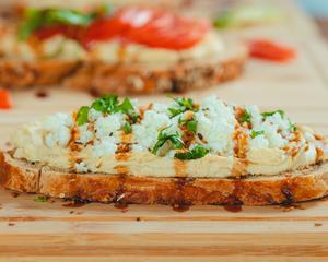 Drivu Greek Hummus Toast